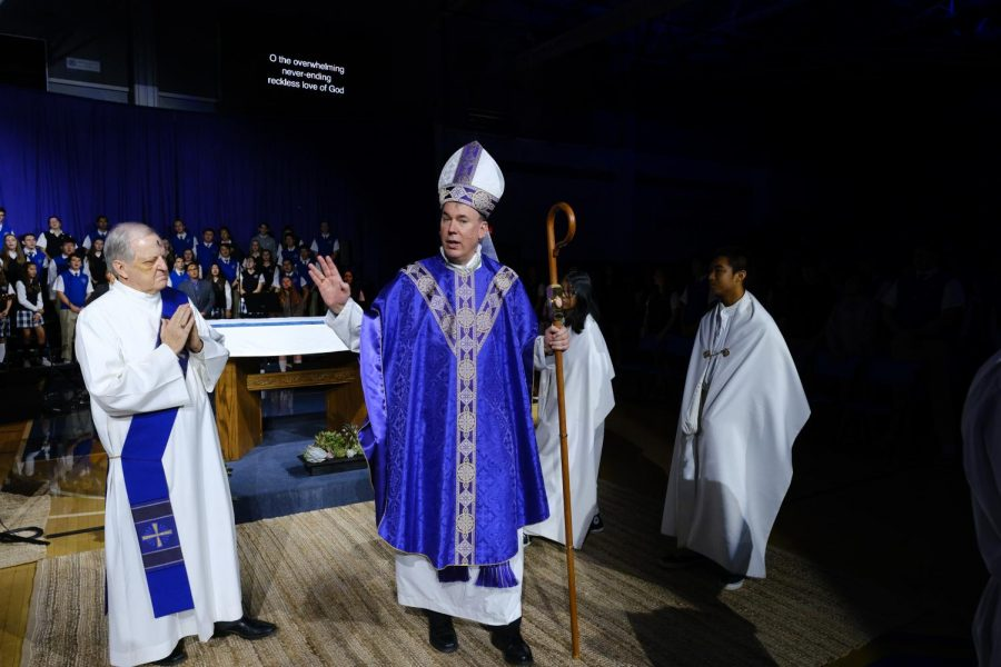 Bishop+Timothy+Freyer+delivers+a+moving+homily+to+the+student+body+during+their+Ash+Wednesday+Mass.+