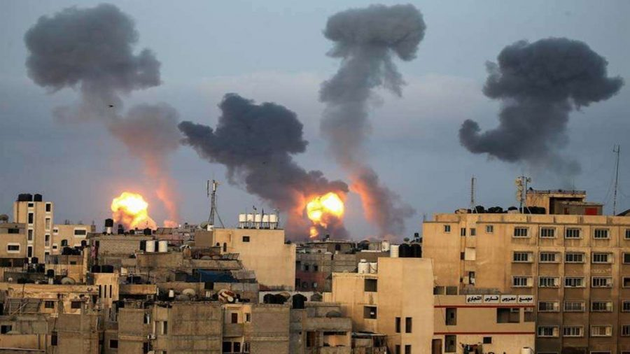 Raining fire - Buildings in the Gaza Strip explode. The attacks started Thursday of this week.